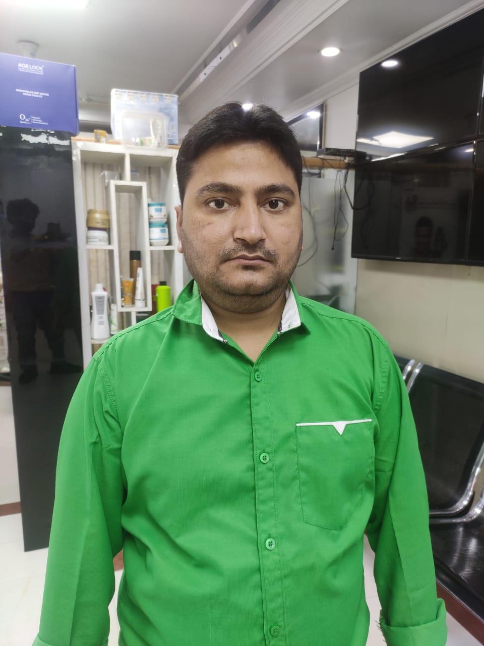 manager coolcut club salon rohini sector 13